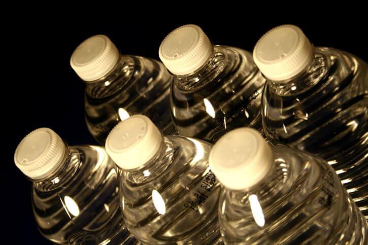 plastflaskor för livsmedel