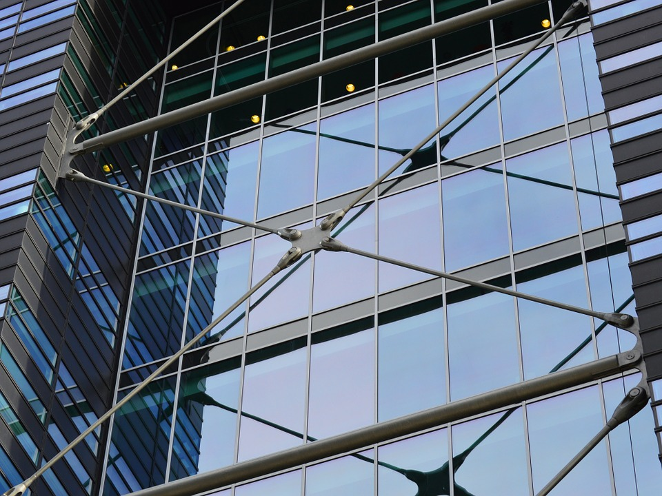 solskyddslameller till glaspartier